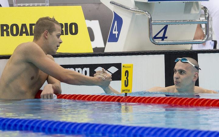 Az aranyérmes Cseh László (j) és a bronzérmes Kenderesi Tamás a 200 méteres pillangóúszás döntőjében az úszó, műugró és szinkronúszó Európa-bajnokságon a London Aquatics Centerben 2016. május 19-én. MTI Fotó: Kovács Anikó